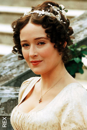 Jennifer Ehle as Elizabeth Bennett